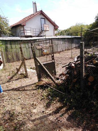 Почистване на дворни места и парцели