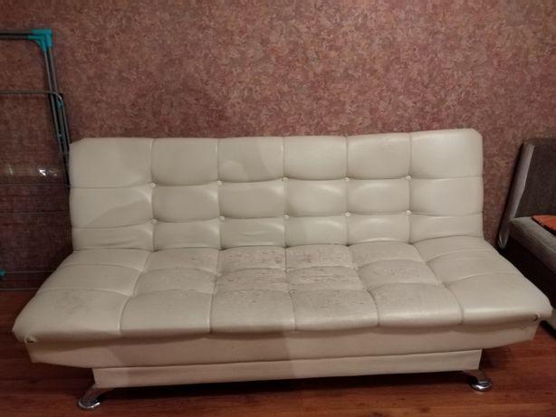 Срочно продам диван кожзам