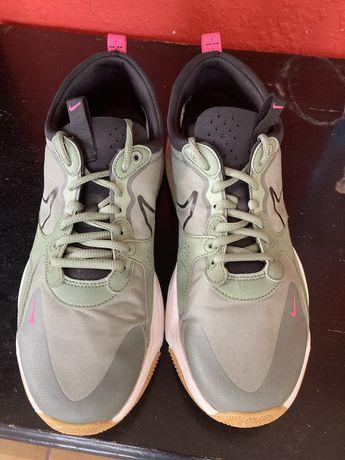 Спортни обувки Nike skyve max