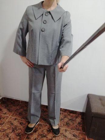 Костюм от две части - панталон и сако