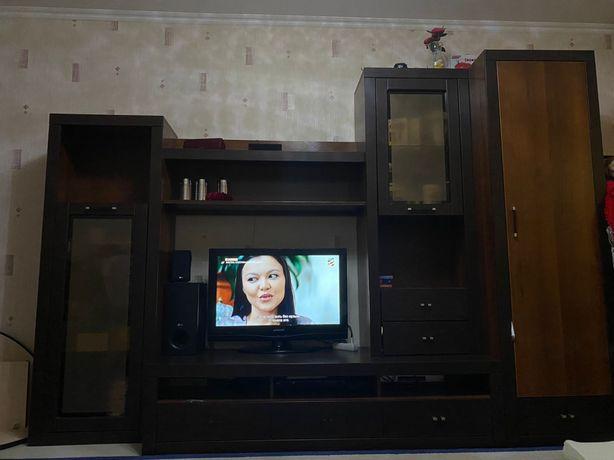 мебель для гостинной ( горка) в хорошем состояний