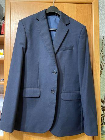 Школьный пиджак и жилетка