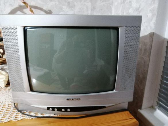 Телевизор - малък CROWN