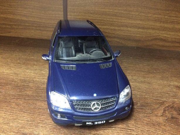 Macheta Mercedes-Benz ML350 1/18 2004