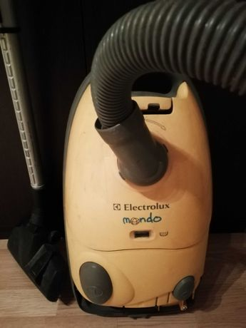 Aspirator cu sac Electrolux
