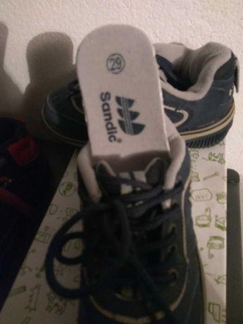Спортни обувки за момче