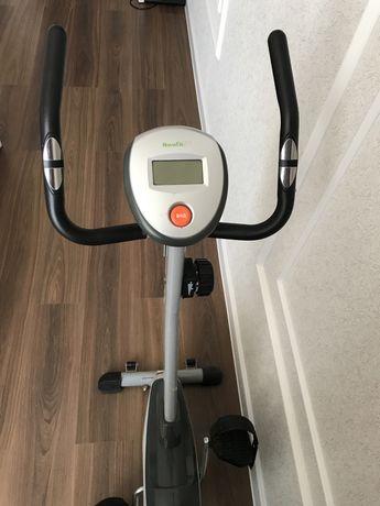 Продам велотренажер HouseFit