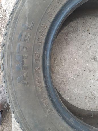 Срочно продам шину в отличном состоянии 205/65 15