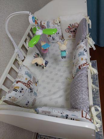 Продам кровать с маятником +бортики +матрас новый