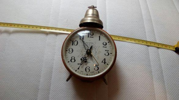 Продава часовник работещ
