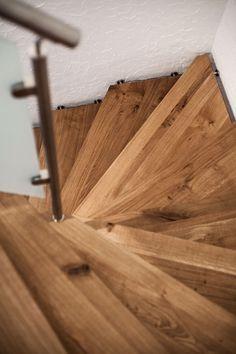 Scari din lemn vechi de stejar