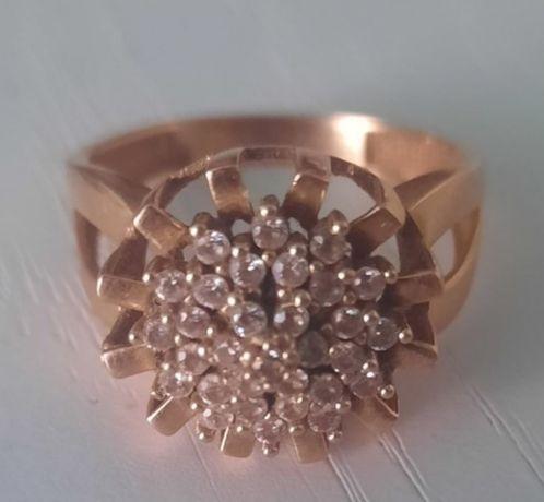 Продам кольцо золотое