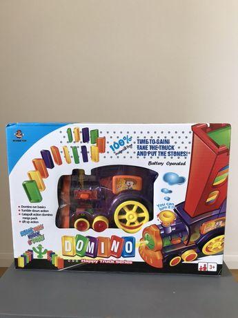Jucarie tren domino