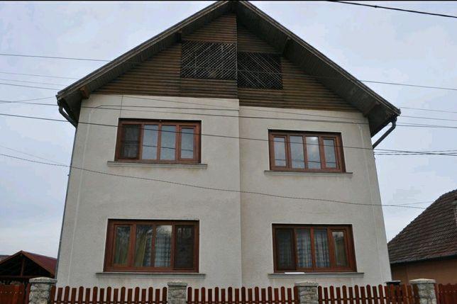 Casă cu etaj în Luduș
