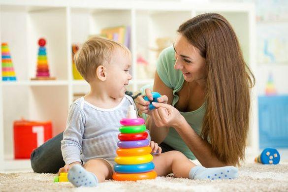 Почасово гледане на малки деца