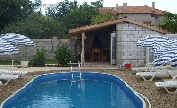 Собственик продава обзаведена къща В Град Каварна