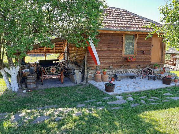 Къщи за гости и конна база в Кюстендил