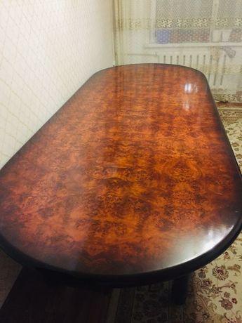 Продам стол гостиный со стульями