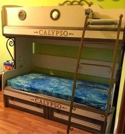 детская двух ярусный кровать