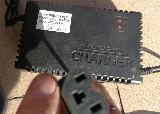 Incarcator baterii lithiu 60v/30A triciclu electric 5 persoane