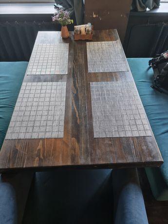 Продам деревянный стол с металлической ножкой.