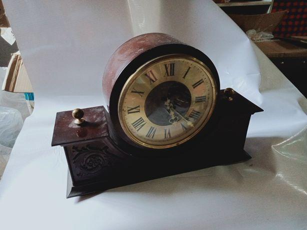 Часы стариные ретро
