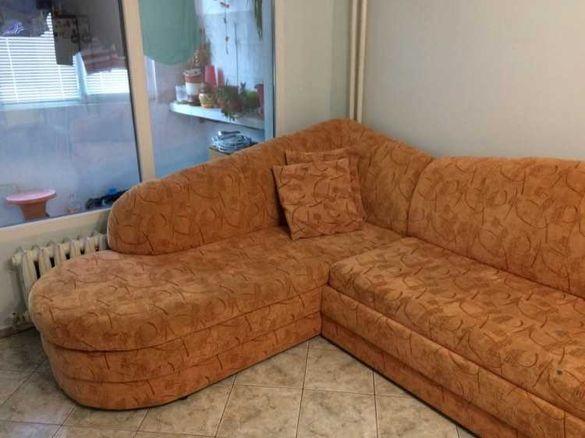 Ъглов, разтегателен диван с ракла