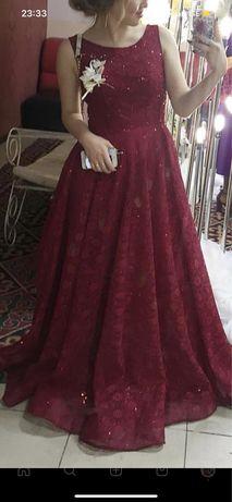 Продаётся вечернее платье. Покупалось за 140 тыс. Продаётся за 70 тыс.