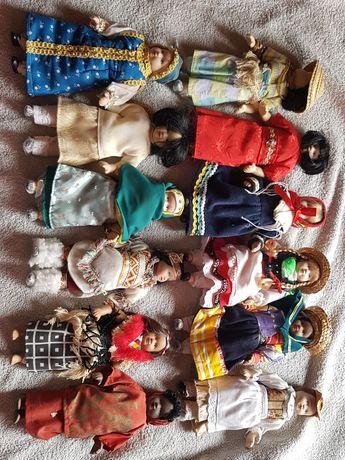 Комплект 12 броя кукли