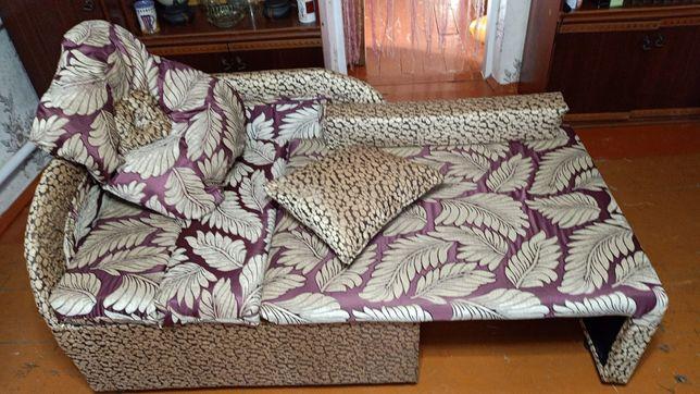 Кровать КУБИК  шикарный мягкий Уголок с подушечьками .