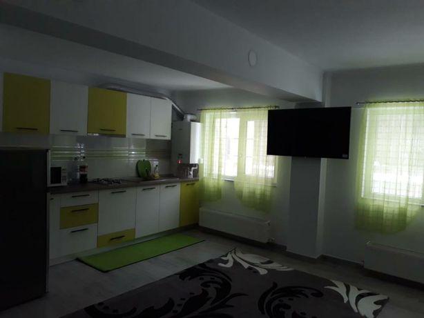 Vând apartament cu 4 camere AZUGA