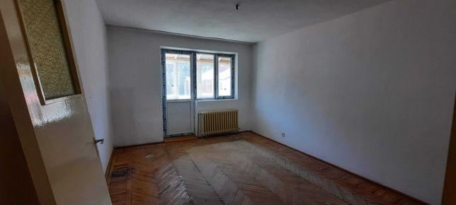 Busteni apartament eta j4/4