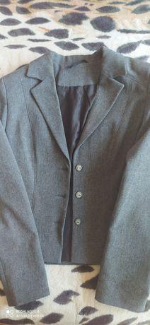 Продам школьный пиджак для девочки