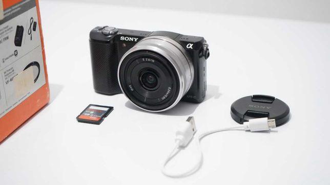 Sony Alpha A5000 камера для видеомейкера.