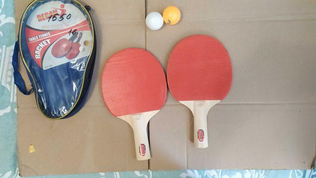 Настольные тенисные ракетки + два мячика для игры