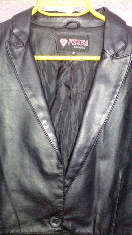 Дамско черно кожено сако