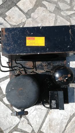 Компресор, агрегат за хладилна витрина