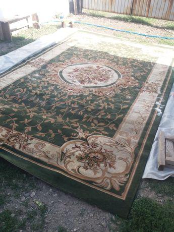 Продам ковёр производство Арабских эмиратов