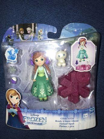 Mini figurină Ana