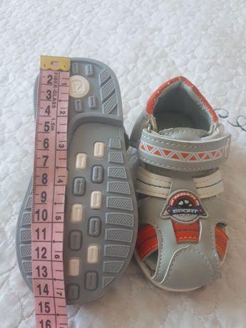 Обувь детская сандали
