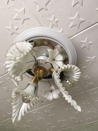 Candelabru de tavan
