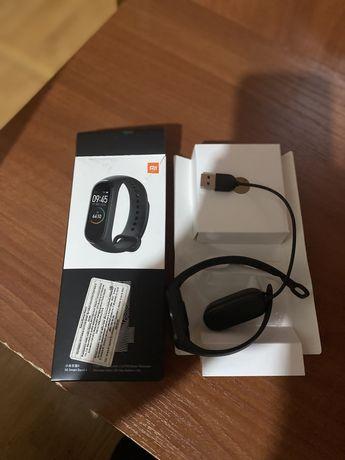 !!! СРОЧНО !!! Продам MiBand 4