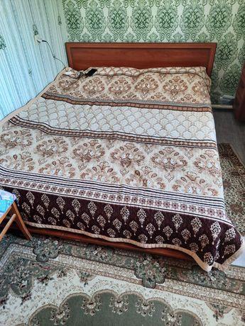 Кровать хорошем состояний