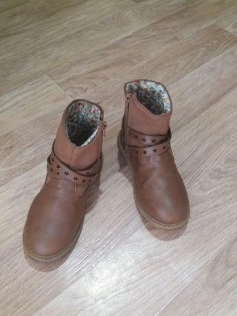 Продаю демисезонные ботинки размер 31-32