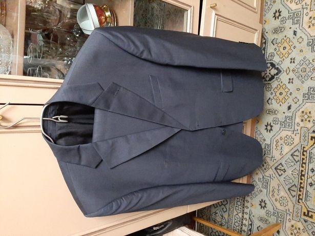 Продам ,мужской костюм 56 размера на рос 180-190