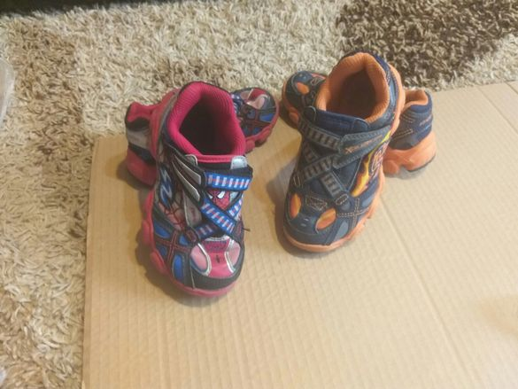 Кецове,ботуши,маратонки и черни обувки
