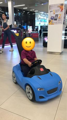 Продается детская прогулочная машинка Step2