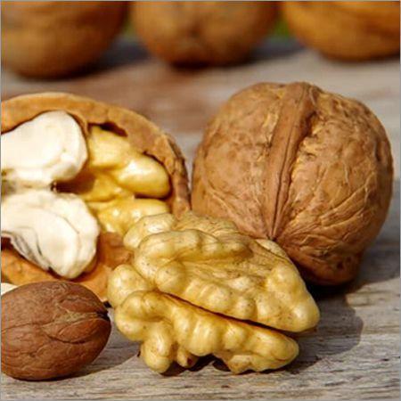 Градински орех и орехова ядка прясна реколта 2020