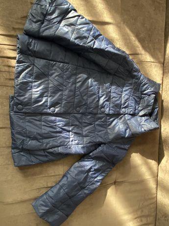 Продам весенние куртки
