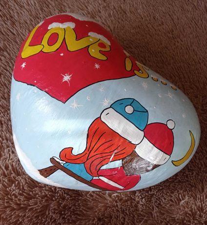 """Сердце """"Love is..."""" Киндер-Сюрприз"""